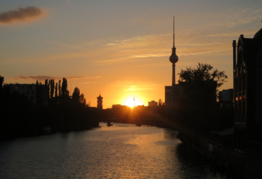Arbeitskultur Deutschland; Quelle: Travel Coffee Book/stocksnap.io