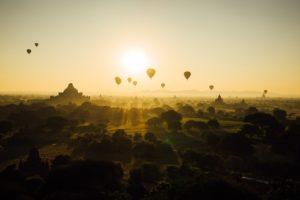 Ballons_ueber_Bagan