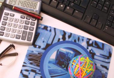 kaufmaennischeBerufsausbildung_IT-Arbeitsplatz