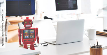 Chatbots_Roboter und Computer